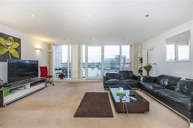 2 Bedrooms Flat for sale in Adriatic Apartments, 20 Western Gateway, Docklands