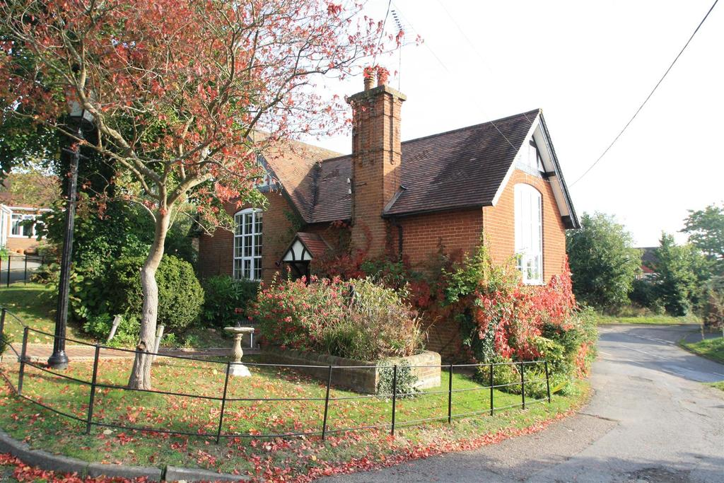 4 Bedrooms Semi Detached House for sale in Moat Lane, Wingrave, Aylesbury