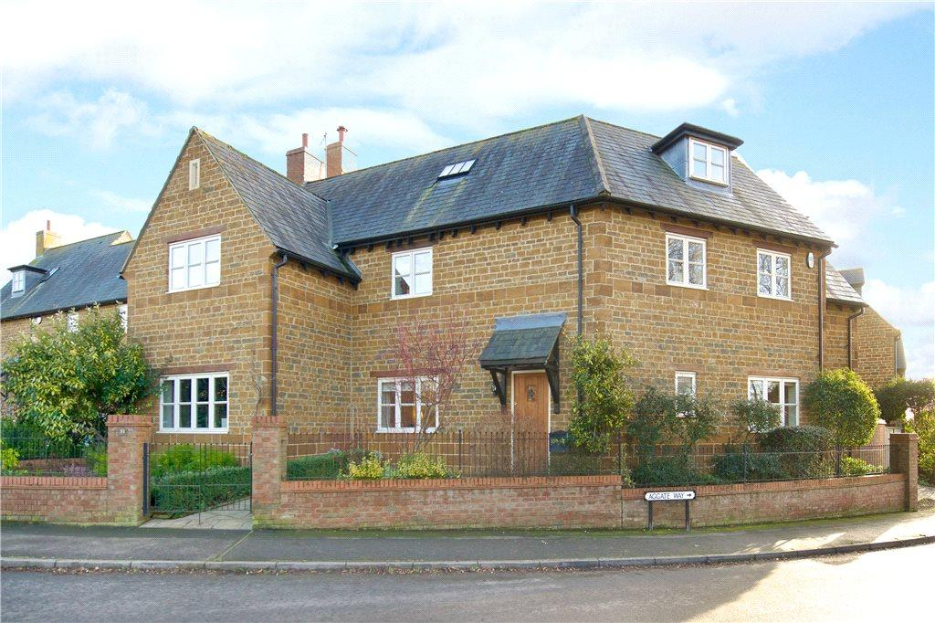 6 Bedrooms Link Detached House for sale in West Street, Earls Barton, Northampton, Northamptonshire