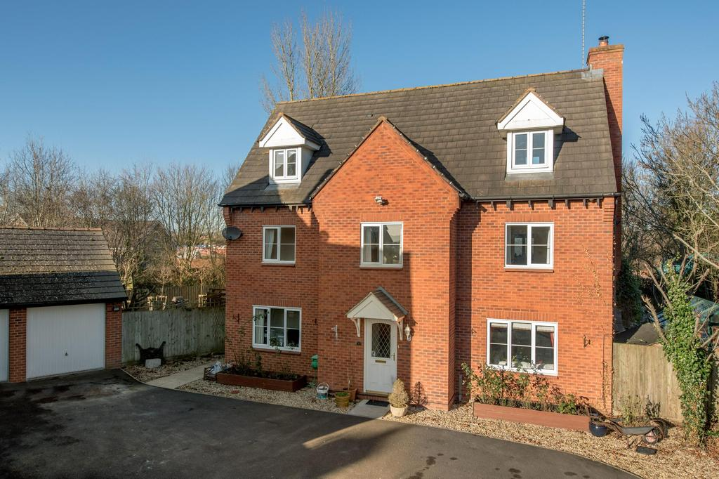 6 Bedrooms Detached House for sale in Hale Way, Taunton