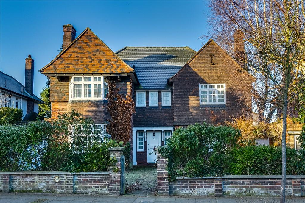 4 Bedrooms Detached House for sale in Dover Park Drive, Putney, London