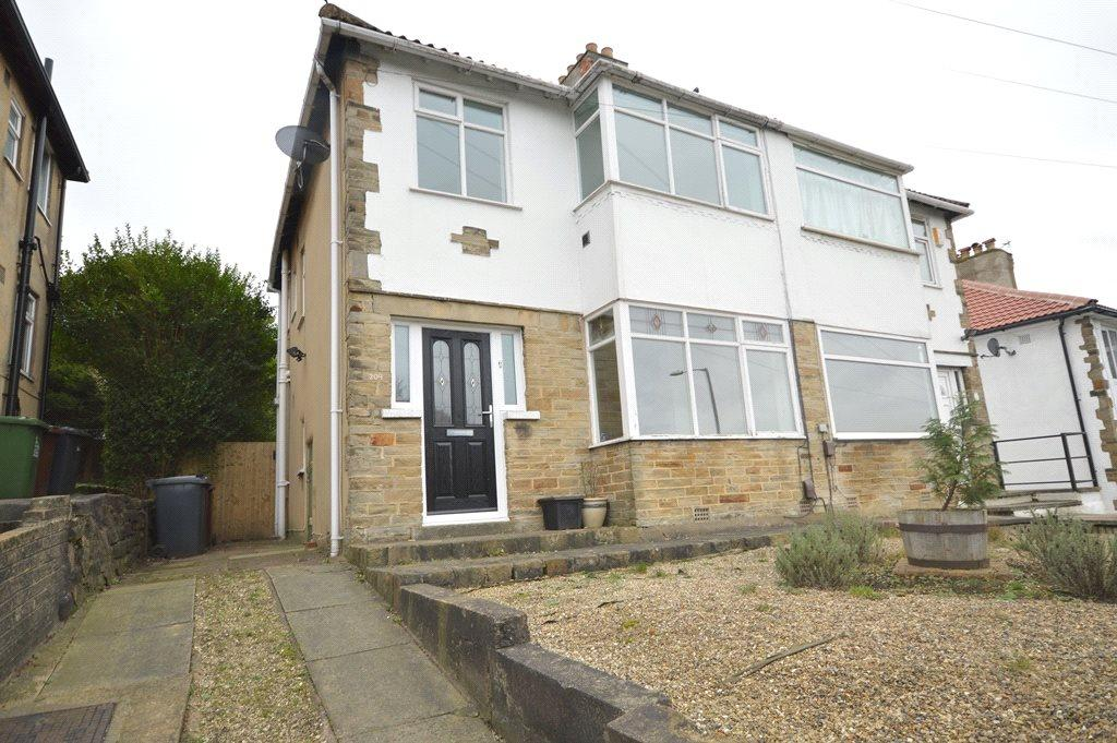 3 Bedrooms Semi Detached House for sale in Tinshill Lane, Cookridge, Leeds
