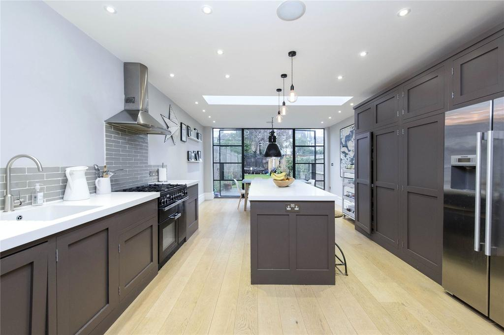 4 Bedrooms Terraced House for sale in Bellamy Street, London, SW12