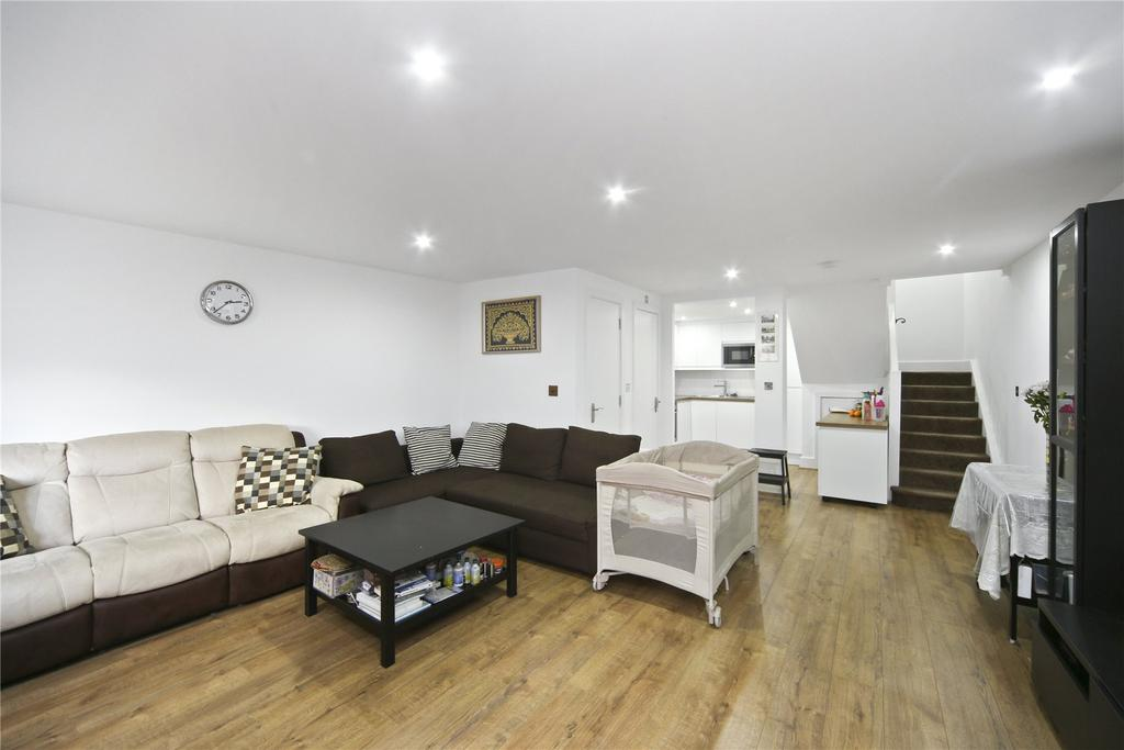 2 Bedrooms Flat for sale in Galaxy Building, 5 Crews Street, London