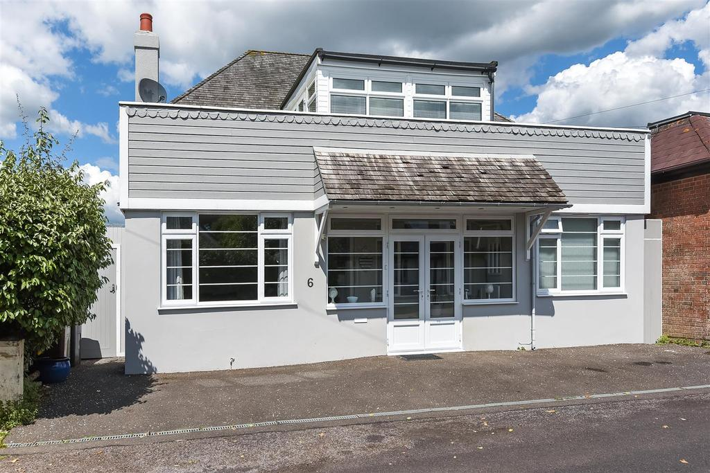 3 Bedrooms Detached House for sale in Central Drive, Elmer
