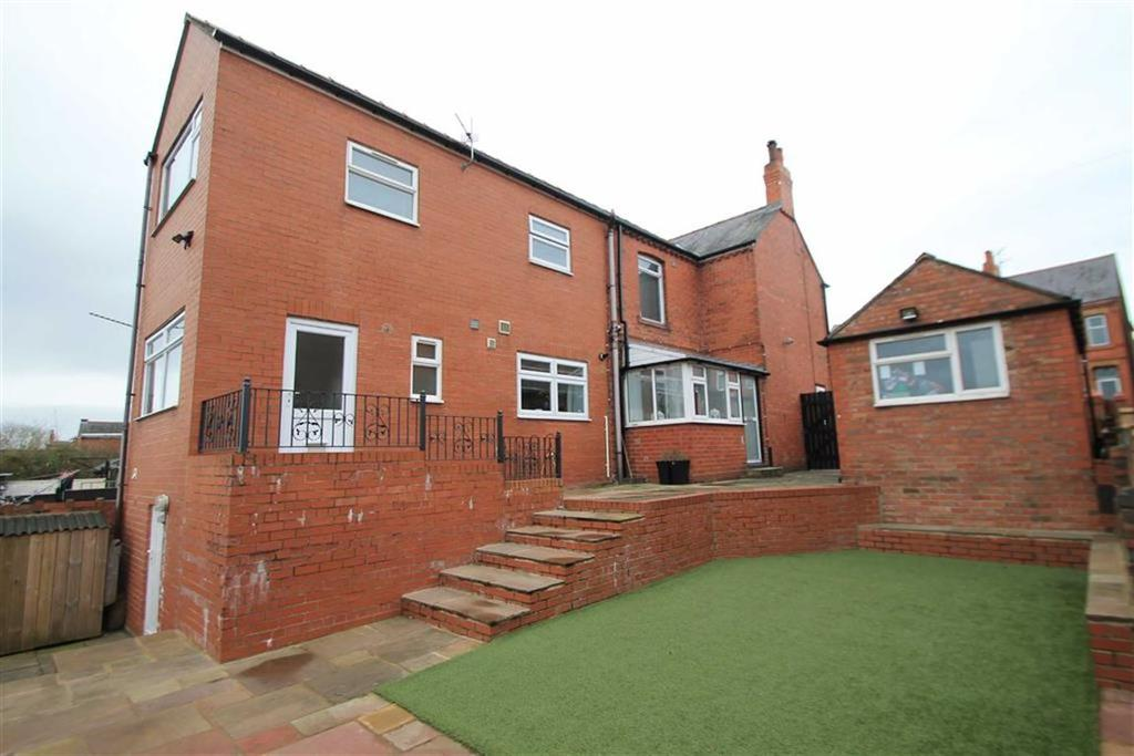 3 Bedrooms Detached House for sale in Stanley Road, Ponciau, Wrexham