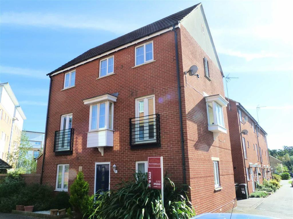 4 Bedrooms Detached House for sale in St. Josephs Green, Welwyn Garden City