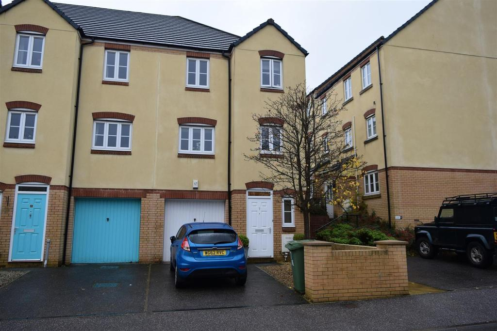 3 Bedrooms Semi Detached House for sale in Harsleywood