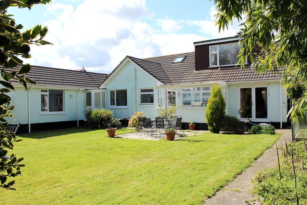 4 Bedrooms Detached Bungalow for sale in Eastacombe Barnstaple, Tawstock, Devon