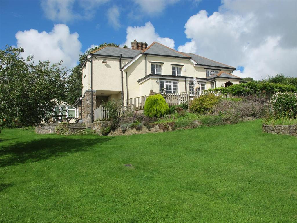 4 Bedrooms Detached House for sale in Bradiford