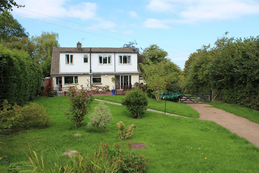 4 Bedrooms Detached House for sale in Rumsam