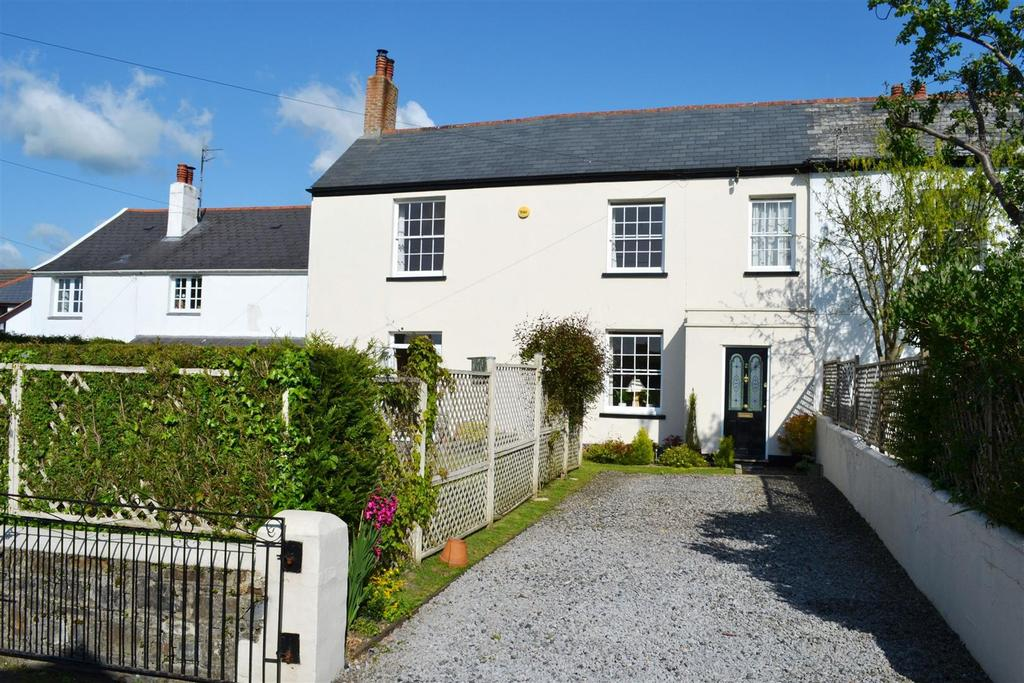 3 Bedrooms Semi Detached House for sale in Cot Manor