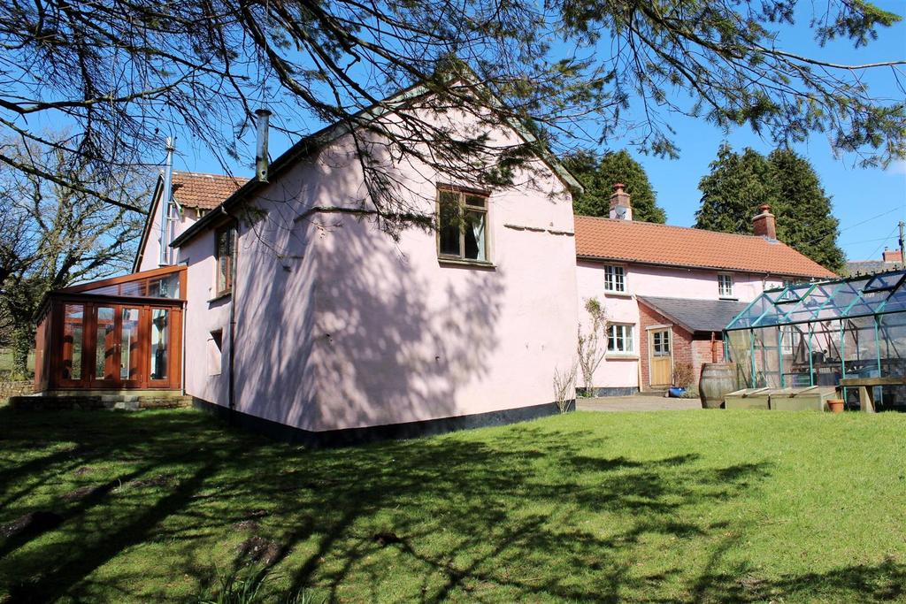 6 Bedrooms Detached House for sale in Stowford