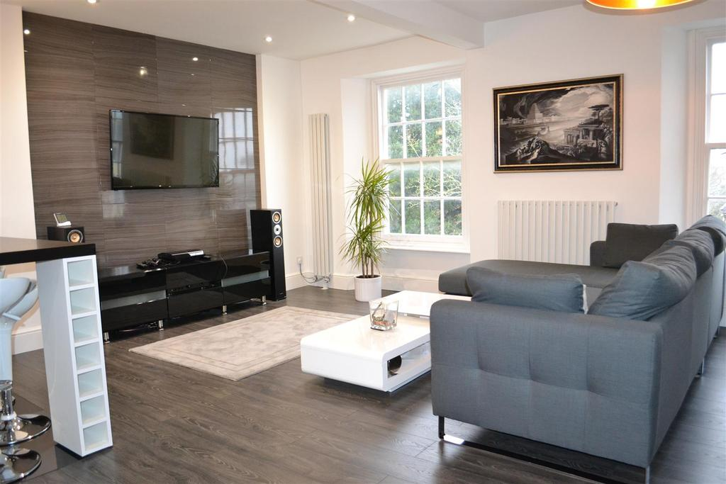 2 Bedrooms Apartment Flat for sale in Barbican Terrace