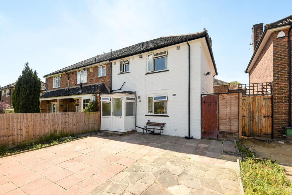 3 Bedrooms Semi Detached House for sale in Somertrees Avenue, Grove Park, SE12