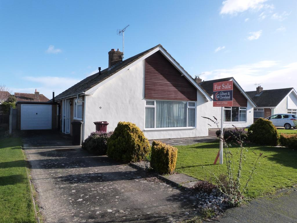 3 Bedrooms Detached Bungalow for sale in Sunnymead Drive, Selsey