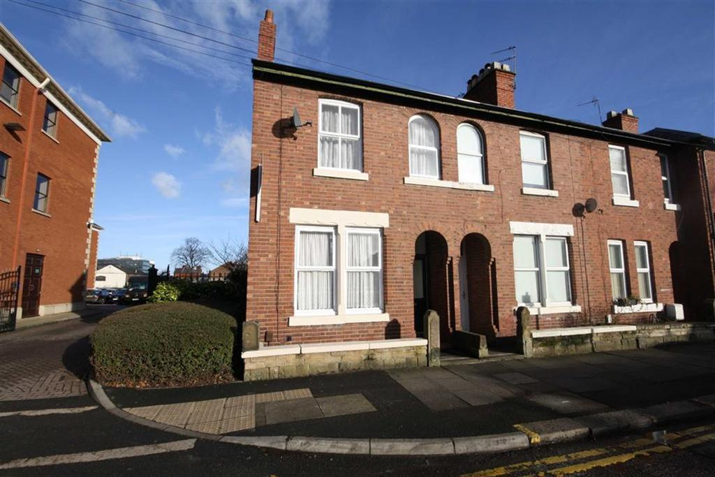 3 Bedrooms End Of Terrace House for sale in Marsland Road, Sale