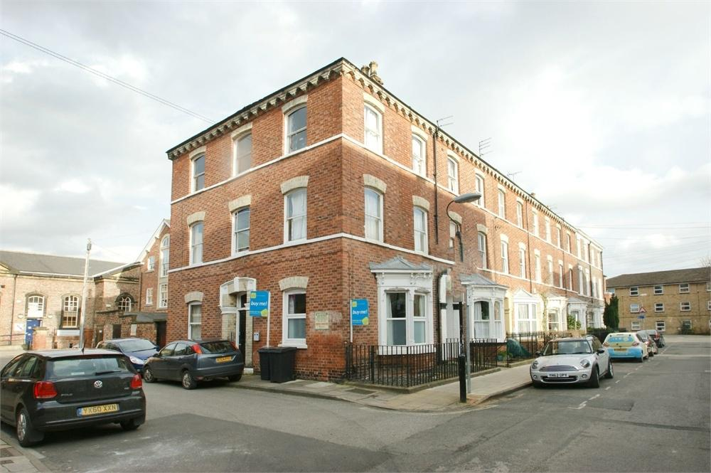 Studio Flat for sale in Priory Street