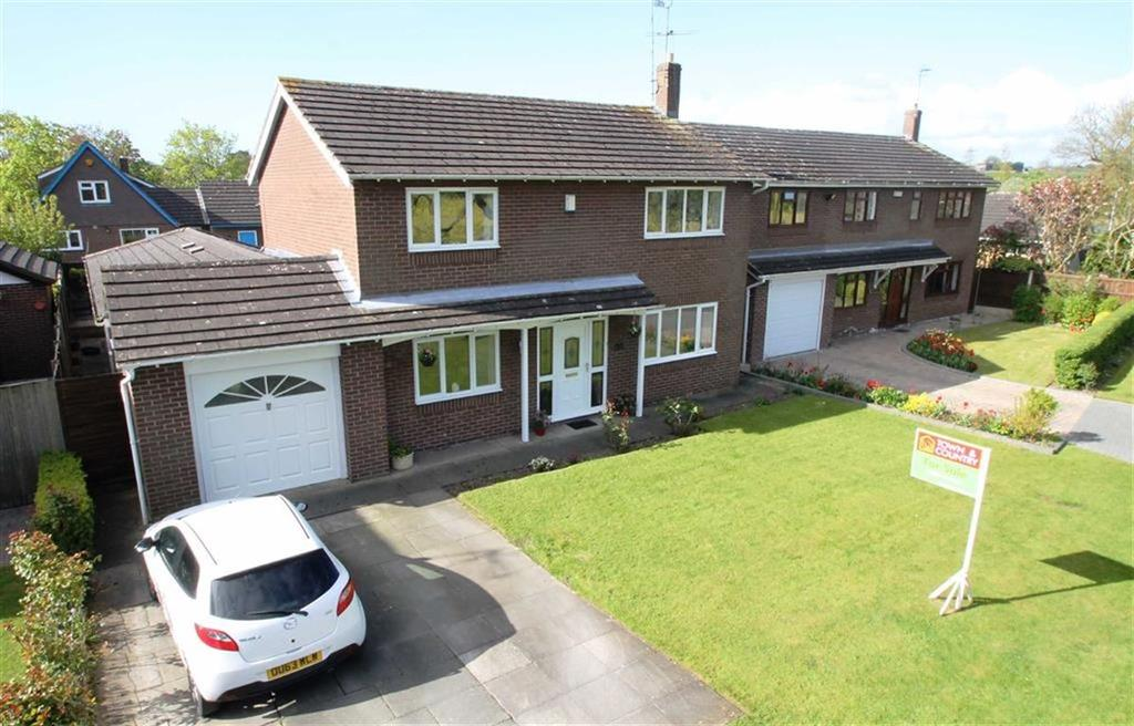 4 Bedrooms Detached House for sale in The Street, Mickle Trafford