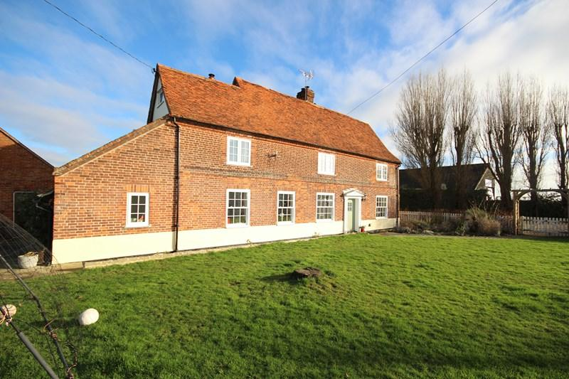 5 Bedrooms Farm House Character Property for sale in Frinton Road, Thorpe Le Soken
