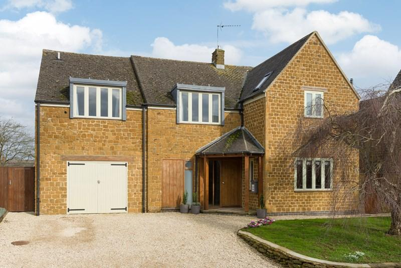 5 Bedrooms Detached House for sale in Shenington