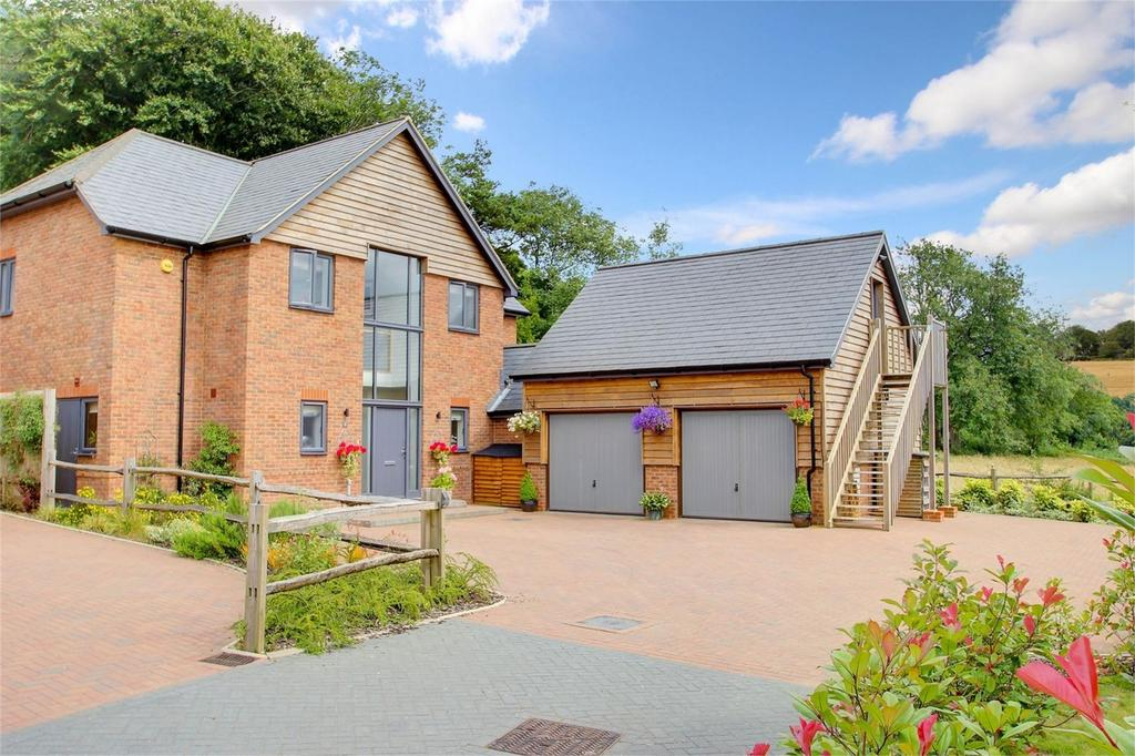 5 Bedrooms Detached House for sale in Blackberry Lane area, Four Marks