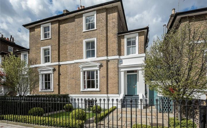 4 Bedrooms Semi Detached House for sale in Stockwell Park Road, London, SW9
