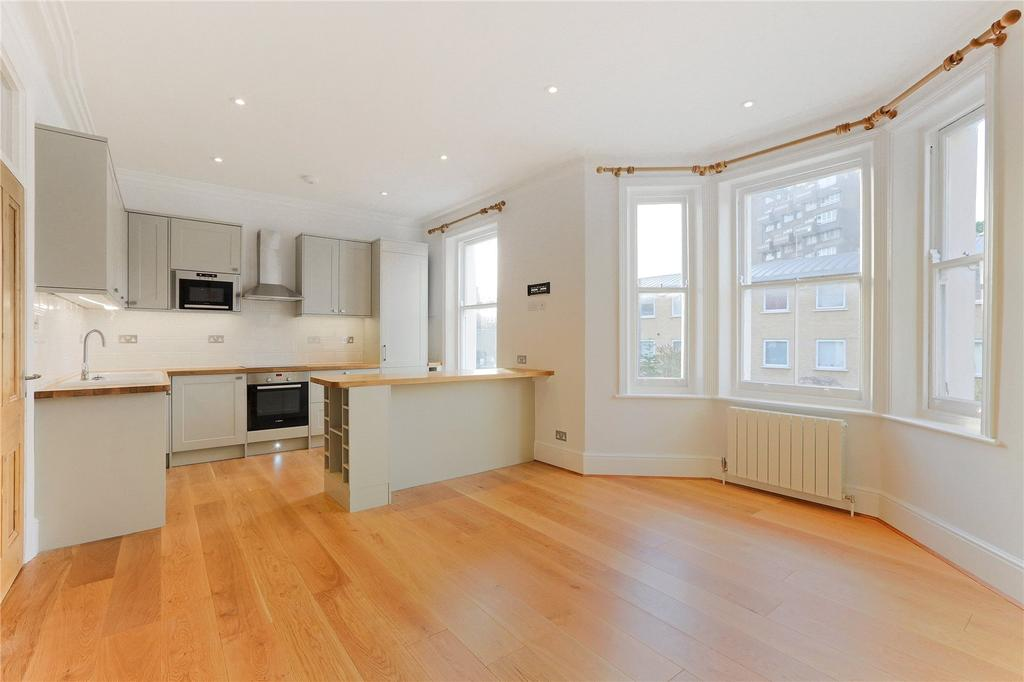 2 Bedrooms Flat for sale in Aigburth Mansions, Hackford Road, London, SW9