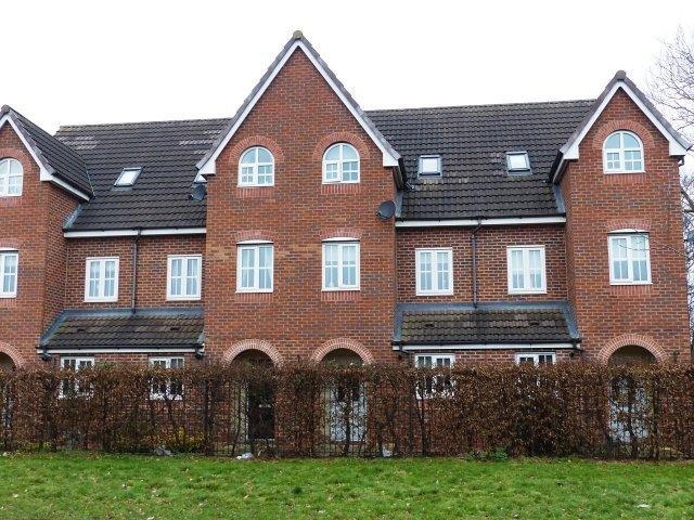 3 Bedrooms Terraced House for sale in Gorsey Lane,Great Wyrley,Staffordshire