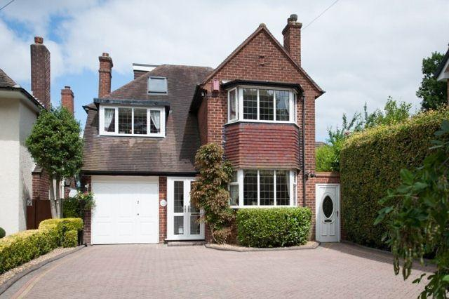 4 Bedrooms Detached House for sale in Fox Hollies Road,Walmley,Sutton Coldfield