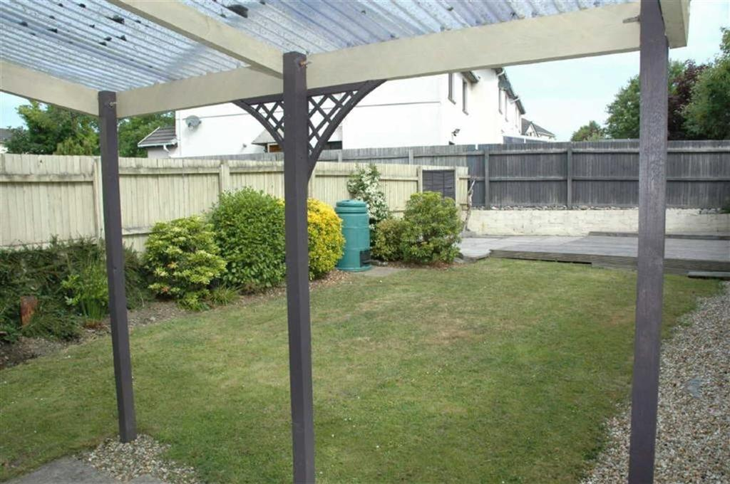 2 Bedrooms Flat for sale in 14b, Park Avenue, Kilgetty, Pembrokeshire, SA68