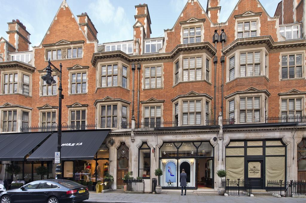 3 Bedrooms Apartment Flat for sale in Mount Street, Mayfair, London, W1K