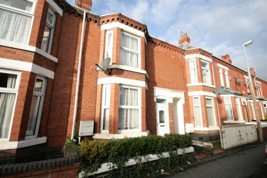 3 Bedrooms Terraced House for sale in Ernest Street, Crewe, Cheshire, CW2