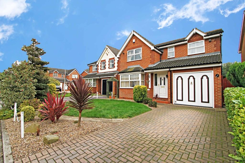 4 Bedrooms Detached House for sale in Lawnswood Court, Bessacarr, DN4 7BD