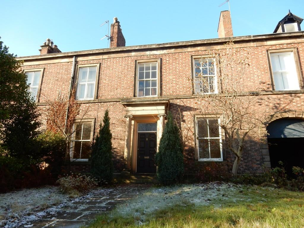 5 Bedrooms Terraced House for sale in Devonshire Terrace, Carlisle