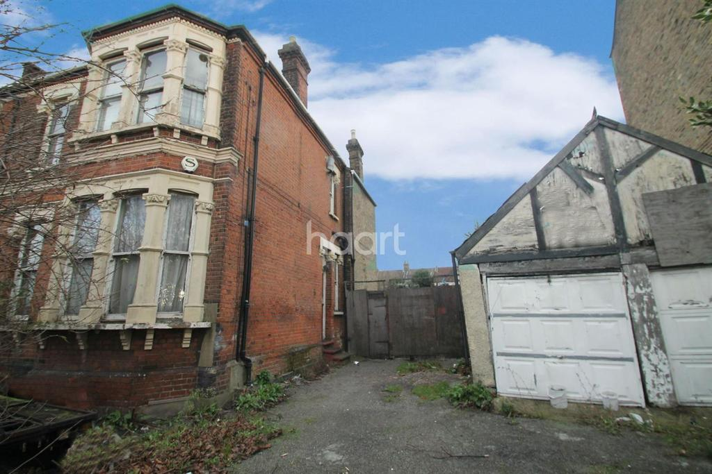 5 Bedrooms Land Commercial for sale in Holly Road, Wanstead