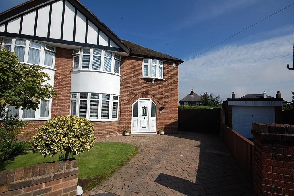 3 Bedrooms Semi Detached House for sale in Windle Grove, Windle, St. Helens