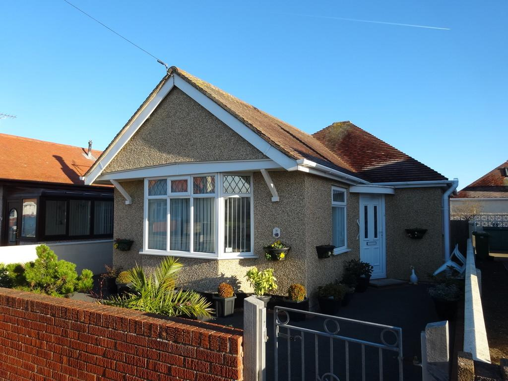 2 Bedrooms Detached Bungalow for sale in Rhyl, Denbighshire