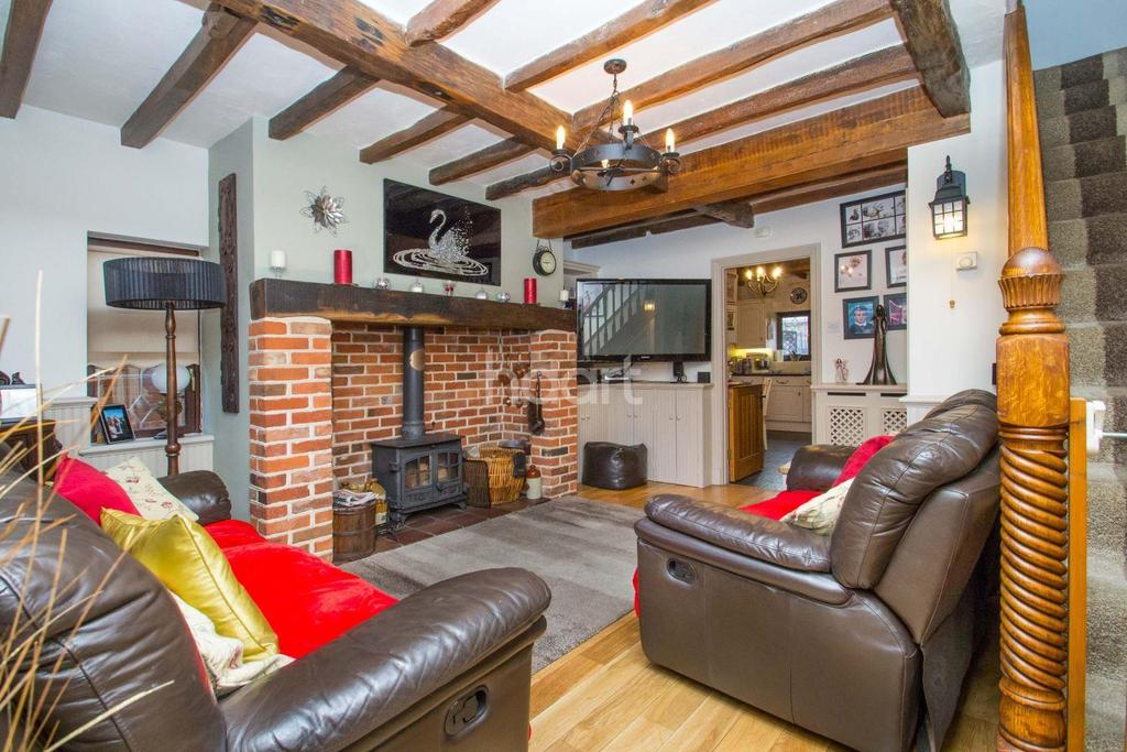 3 Bedrooms Detached House for sale in Seaview Road, Canvey Island