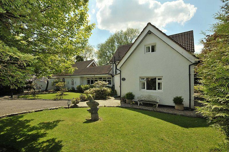 4 Bedrooms Detached House for sale in Budworth Road, Aston By Budworth