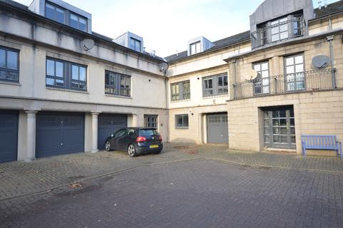 3 bedroom flat to rent - Cavalry Park Drive, Edinburgh, Midlothian, EH15 3QG
