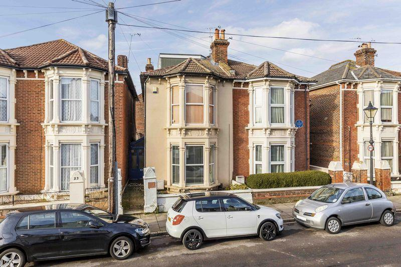 2 Bedrooms Apartment Flat for sale in Worthing Road, Southsea