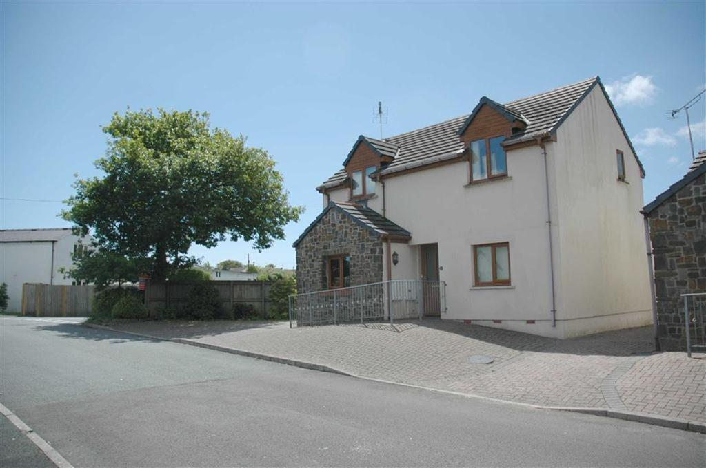 3 Bedrooms House for sale in 2, St. Annes Drive, New Hedges, Tenby, Pembrokeshire, SA70