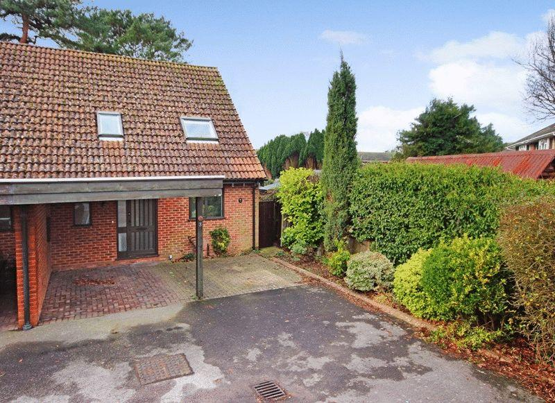 2 Bedrooms Semi Detached Bungalow for sale in NEW MILTON