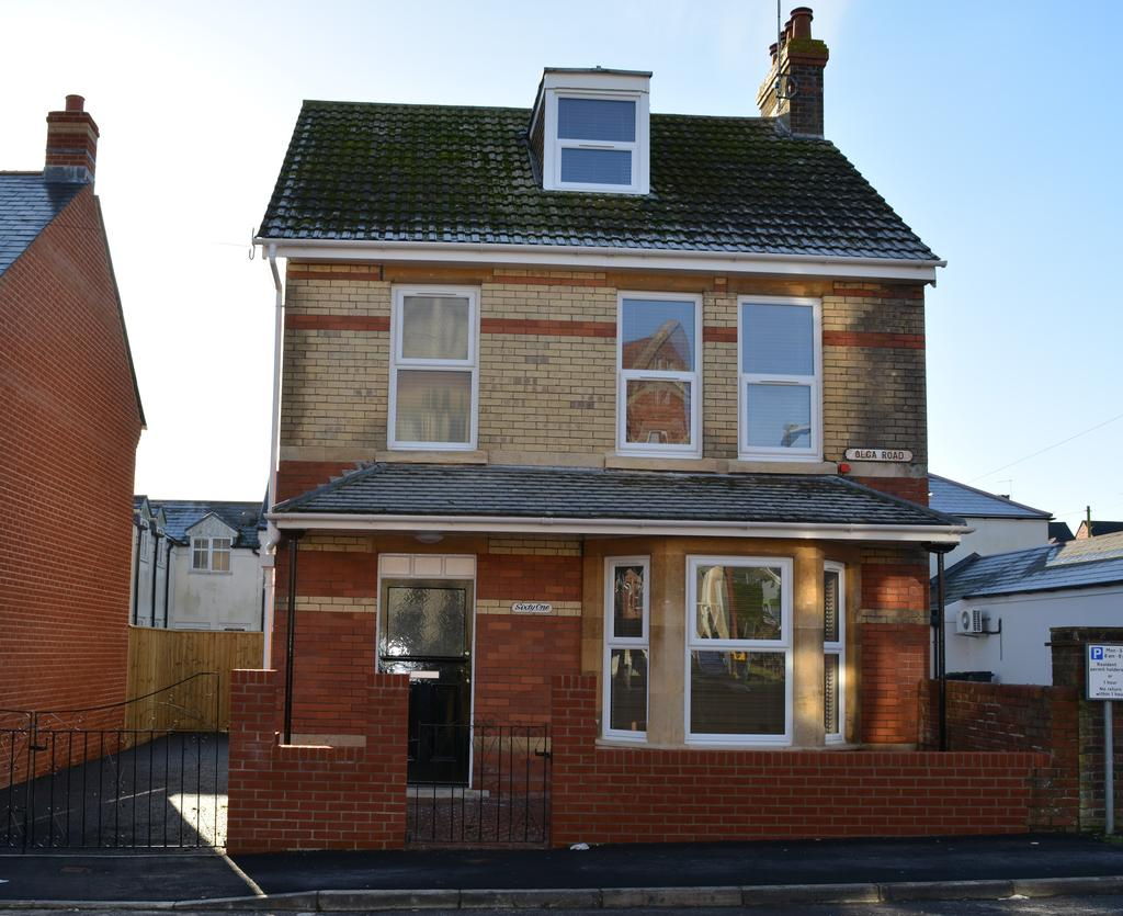 4 Bedrooms Detached House for sale in Dorchester DT1