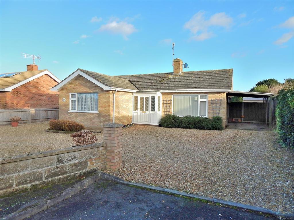 3 Bedrooms Detached Bungalow for sale in Bernard Crescent, Hunstanton