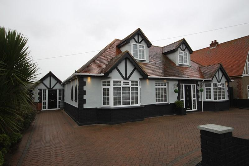6 Bedrooms Detached House for sale in Bedford Road, Holland-On-Sea, Clacton-On-Sea