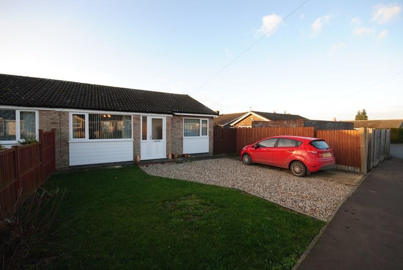 3 Bedrooms Semi Detached Bungalow for sale in St. Michaels Road, Norwich