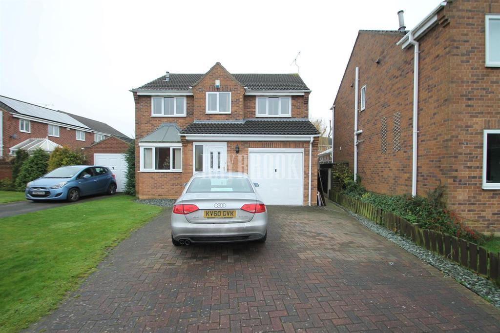 4 Bedrooms Detached House for sale in Monks Way, Shireoaks