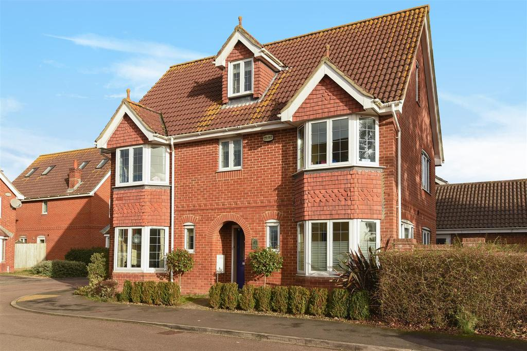 6 Bedrooms Detached House for sale in Tangmere